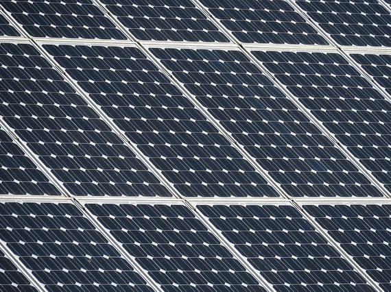Effizienz von Solarzellen und Speicherung von regenerativen Energien